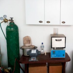 eradental laboratorio técnico - Sangolquí